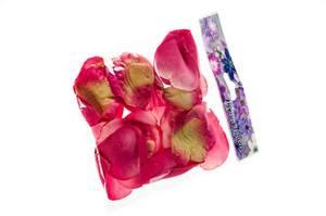 Bilde av Kunstige Roseblader Fuchsia 36stk
